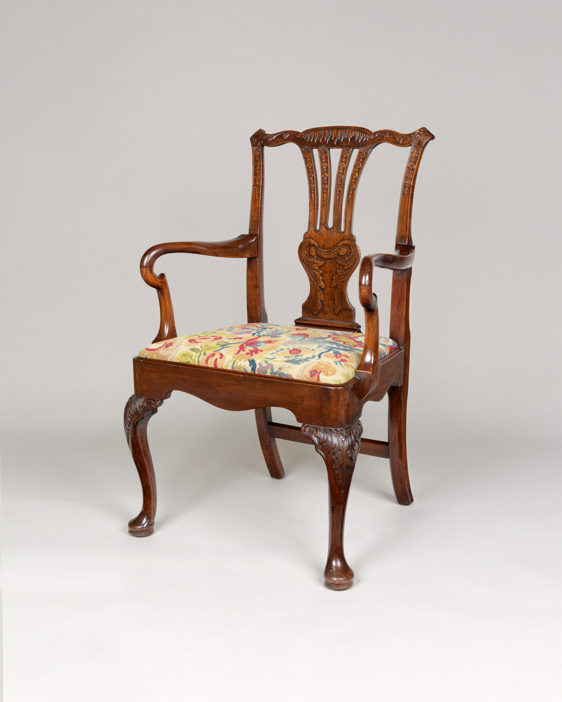 GEORGE II MAHOGANY DESK CHAIR