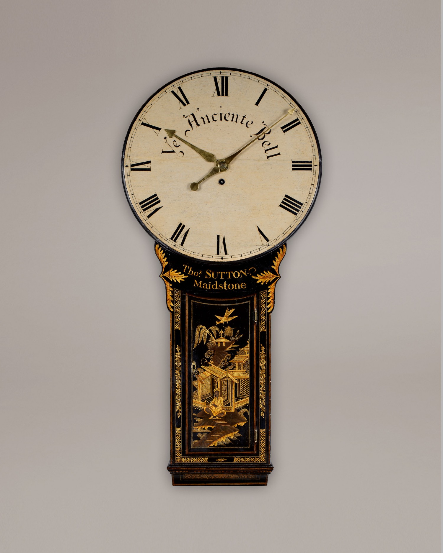 THOMAS SUTTON. A good George III period tavern clock