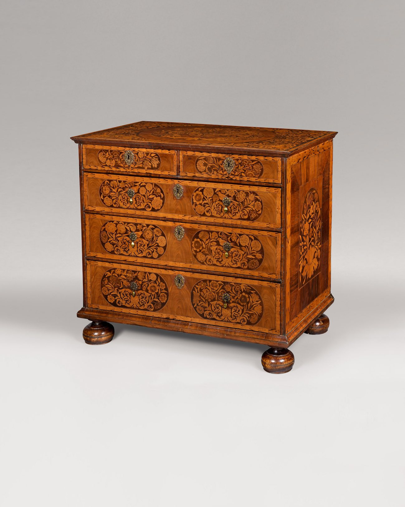 WILLIAM & MARY PERIOD MARQUETRY CHEST